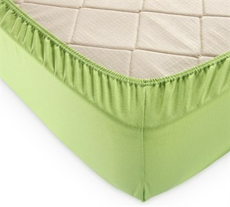 Простыня на резинке зеленая